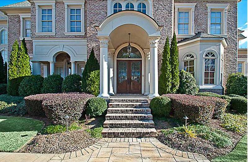 Usher Evicting Ex-Wife, Selling $3.2 Million Family ...