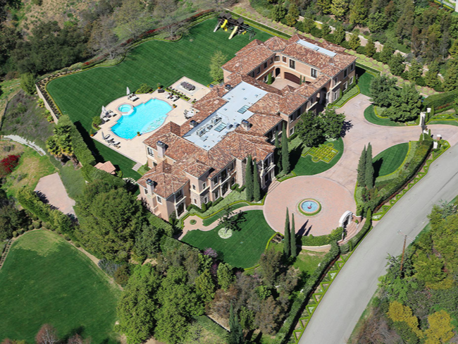 Rocker john fogerty 39 unofficially 39 lists beverly hills for Beverly hills celebrity homes map