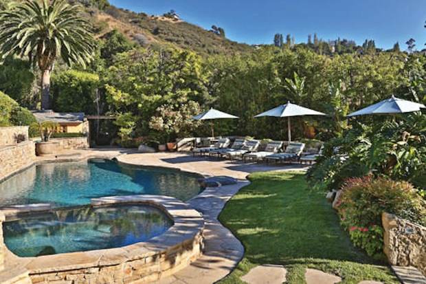 Camille Grammer S Malibu Estate Returns To The Market With