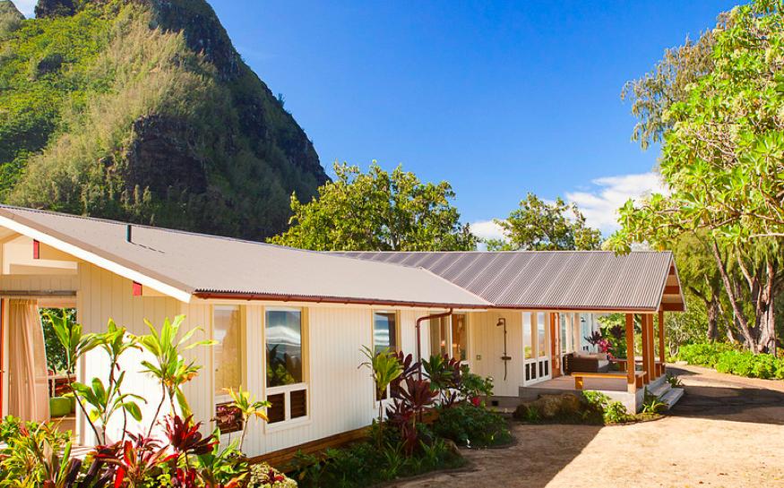 report julia roberts lists hawaiian hideaway for 17