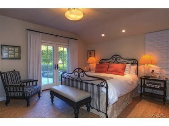 Report A New California Crib For Kourtney Kardashian And Scott - Kourtney kardashian bedroom furniture