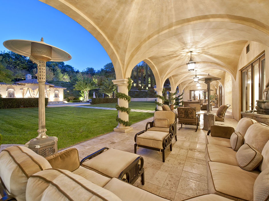 Baseball Legend Barry Bonds Just Sold His Beverly Hills