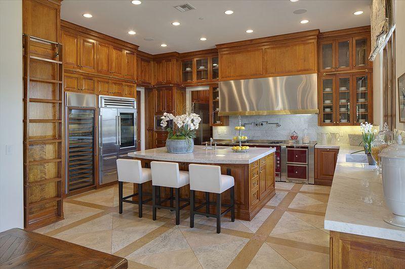 Heidi Klum Bidding Gorgeous Brentwood Estate Auf