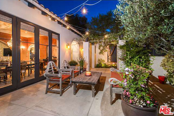 Refi Help >> Megan Fox and Brian Austin Green Sell Los Feliz Home