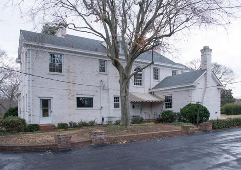 Reese witherspoon buys a stately nashville fixer upper for Nashville tn celebrity homes
