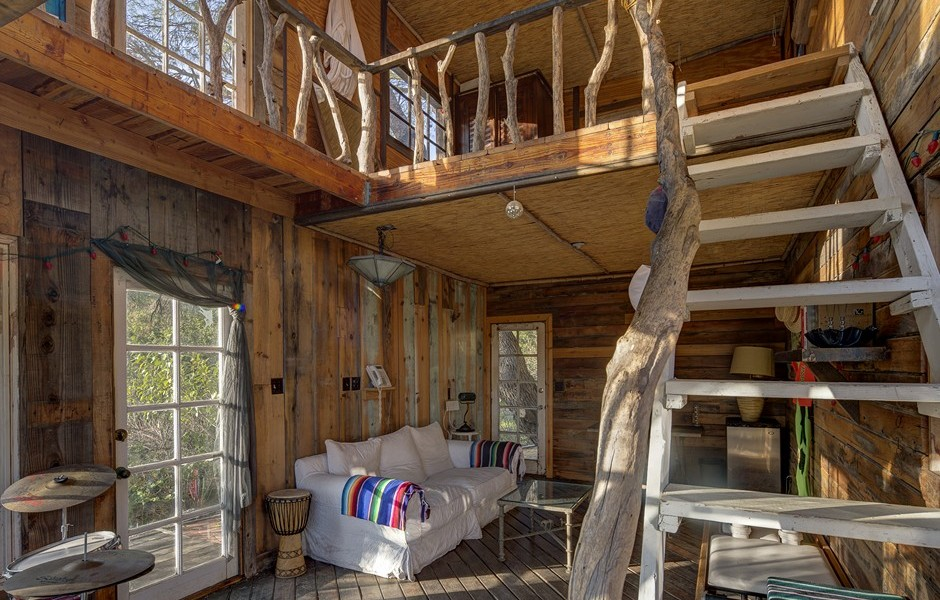 hollywood hippie daryl hannah relists quirky malibu compound