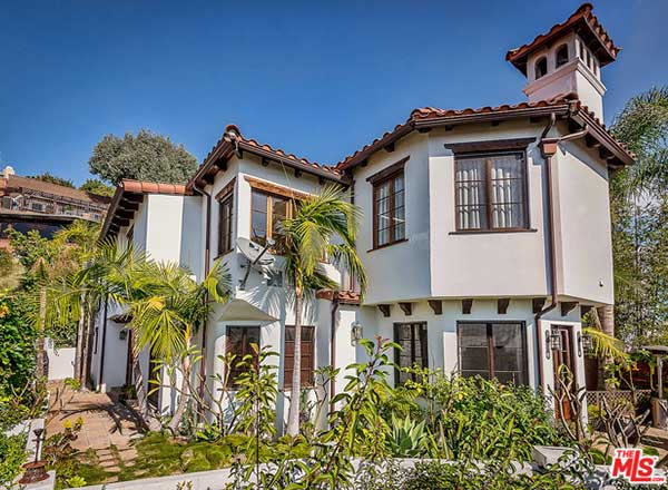 Nick jonas offloads sunset strip home trulia 39 s blog for Mediterranean style modular homes