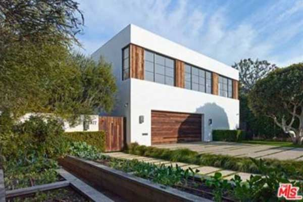 Jason statham and rosie huntington whiteley buy in beverly for Buy house beverly hills