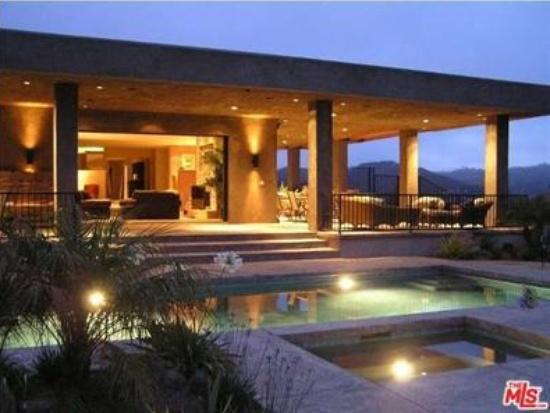 Edison Luxury Apartments