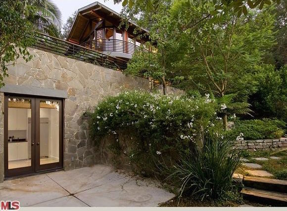 Channing tatum and jenna dewan quietly sell laurel canyon for Laurel home