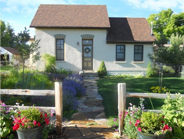 8 cozy country cottages for sale under 200 000 trulia 39 s