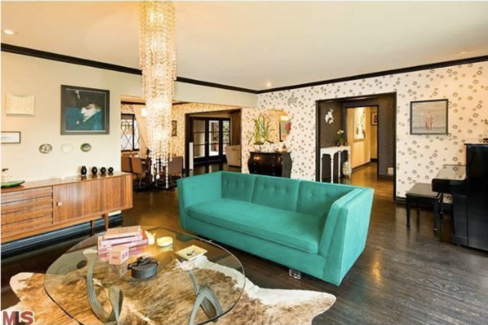 Get the Look: Christina Ricci\'s Eclectic Living Room - Trulia\'s ...