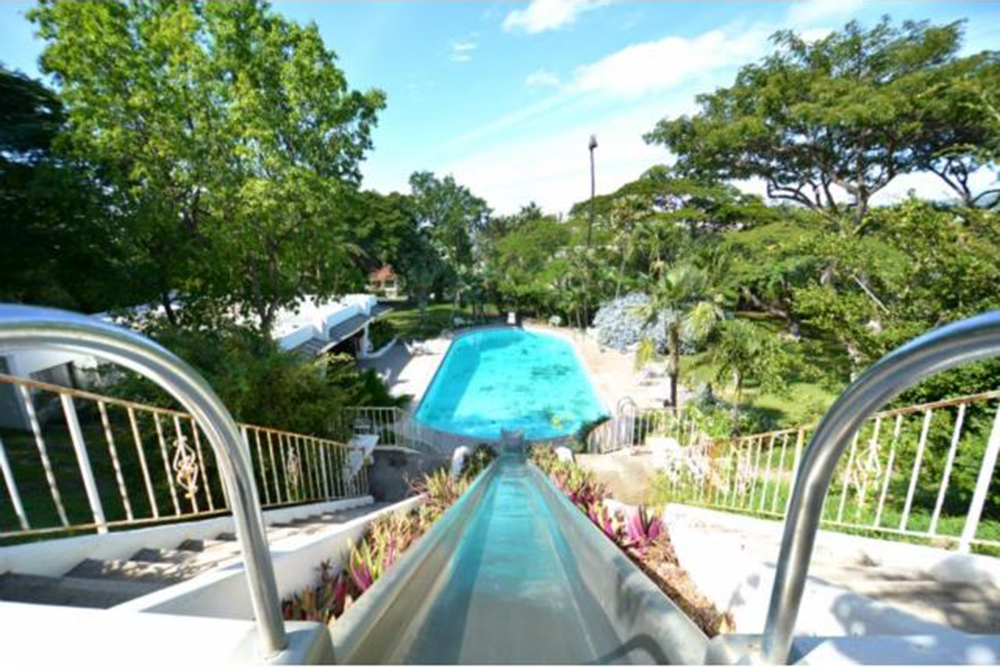 june2015 trulia 9 homes for sale with epic water slides honolulu hawaii - House Pools With Slides