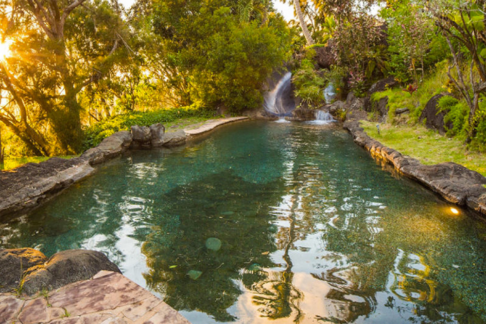 9 homes for sale with epic water slides trulia 39 s blog for Pool design honolulu
