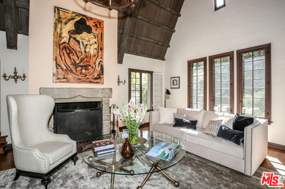 Dita Von Teese Scores With A Sexy New Home In Los Feliz