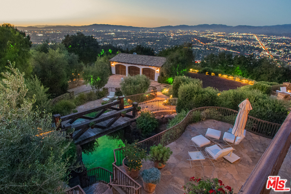 Tom Cruise Sells Hollywood Hills Compound - Celebrity ...