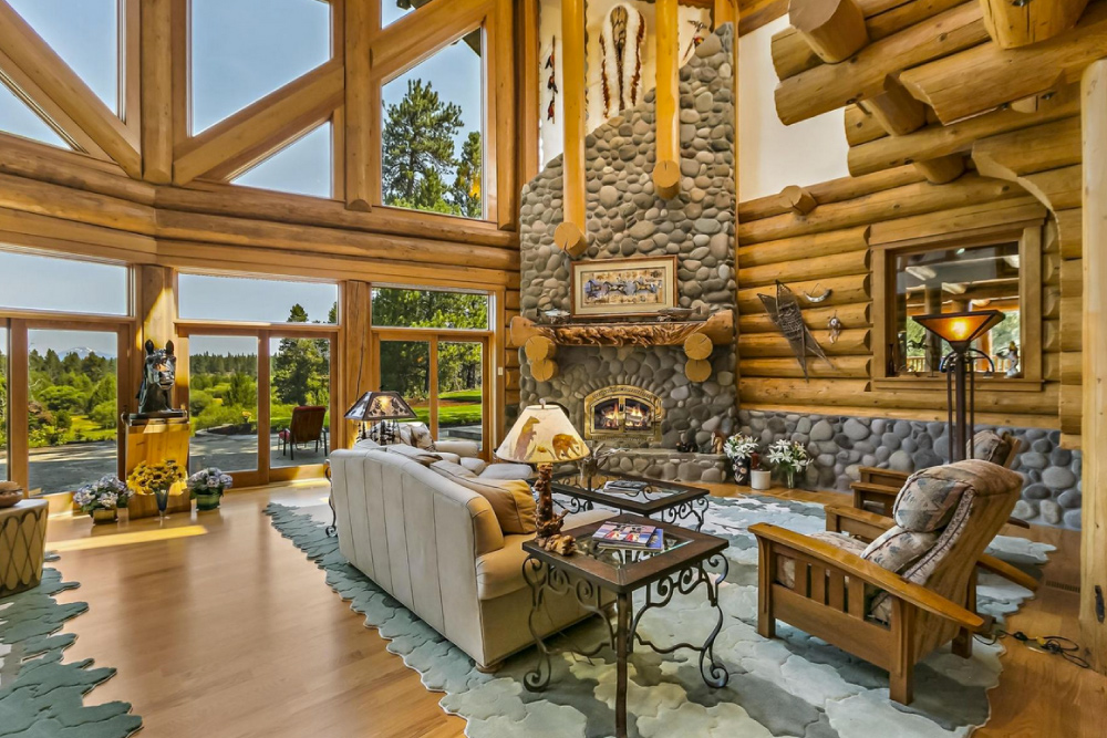 Browse these 10 luxury homes for sale that have incredible fireplaces