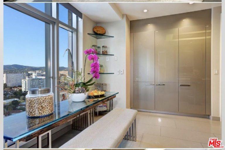 yolanda hadid house the reality star lists in westwood celebrity trulia blog. Black Bedroom Furniture Sets. Home Design Ideas