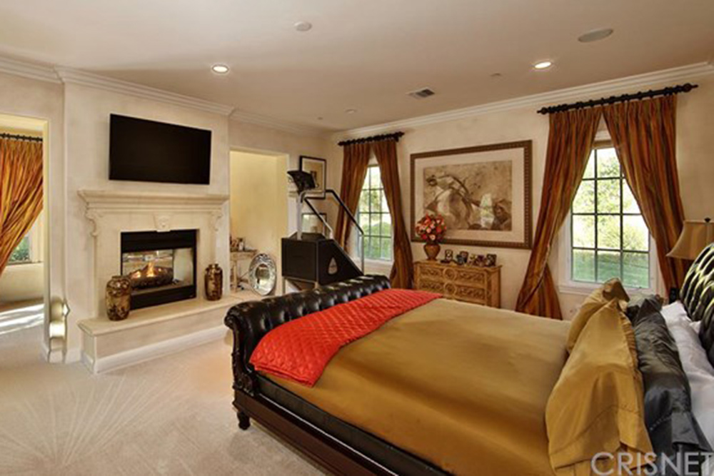 Sold the toni braxton house in calabasas celebrity trulia blog Master bedroom in a mansion