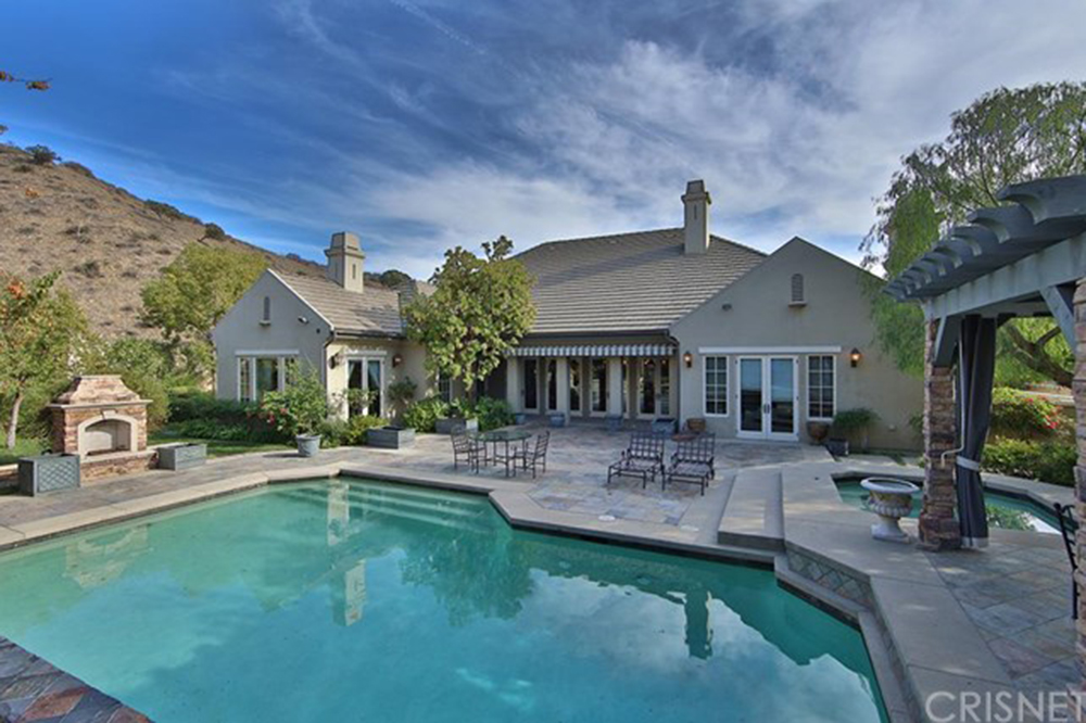 Sold the toni braxton house in calabasas celebrity for Calabasas oaks homes for sale