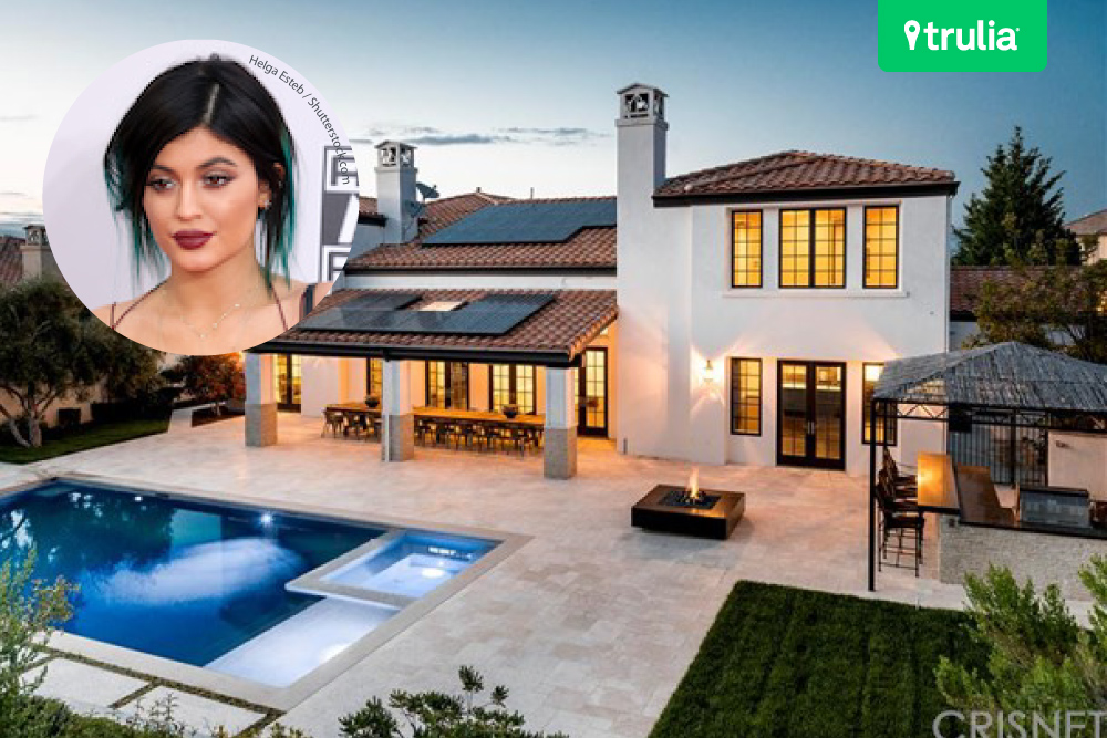 Kylie jenner house tour her calabasas ca starter home for Calabasas oaks homes for sale