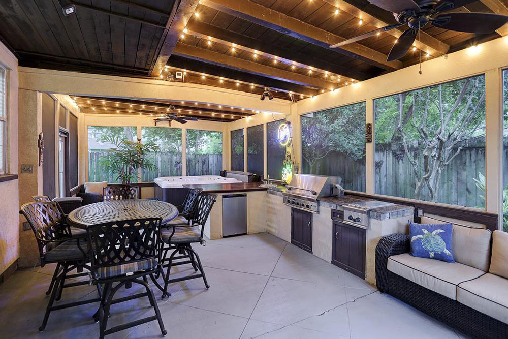 10 homes for sale with outdoor kitchens life at home for Great outdoor kitchen ideas