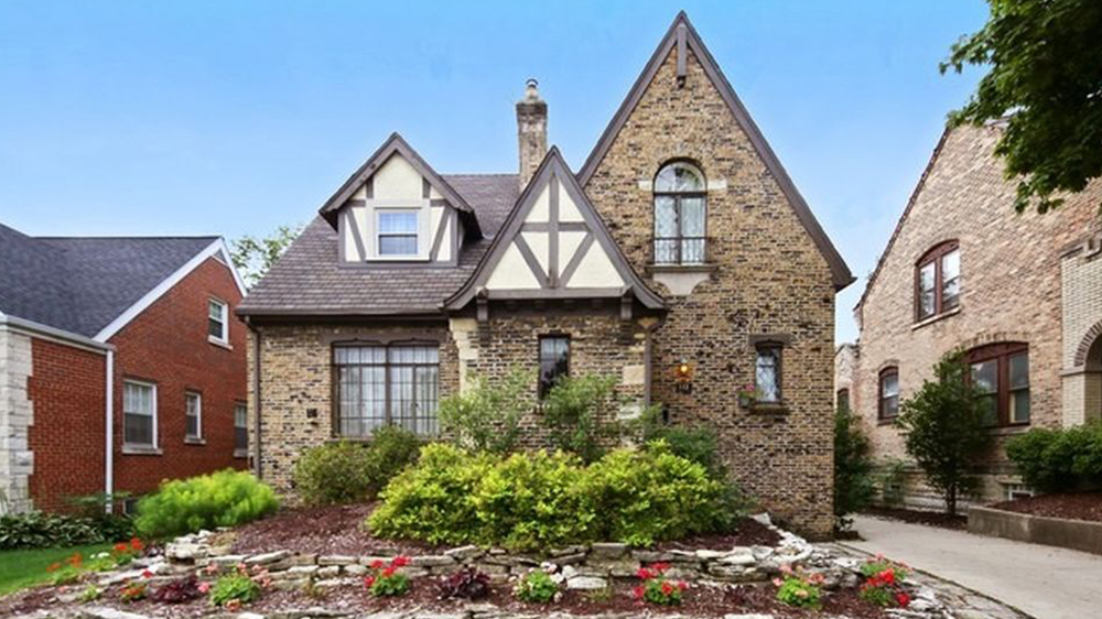 9 Tudor Houses For Sale Real Estate 101 Trulia Blog