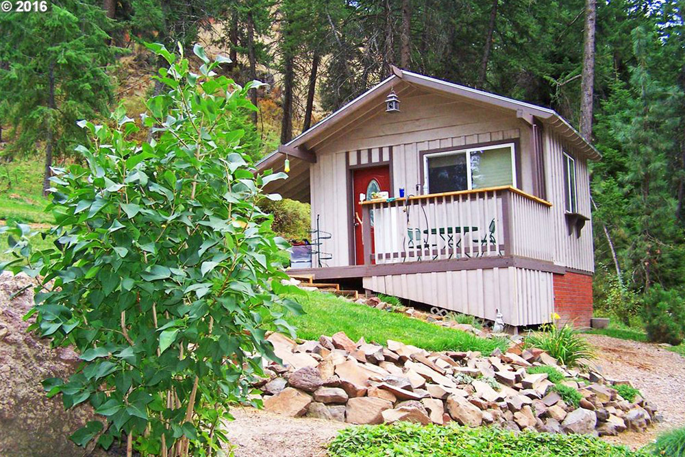 Home In The Mountains tiny mountain houses for sale — life at home — real estate 101