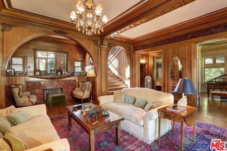 Kat Von D Buys The Cheaper By Dozen House