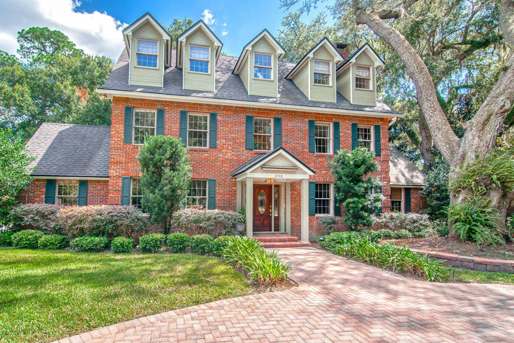 Charleston sc real estate and 9 other hot markets for 2017 for Hot real estate markets