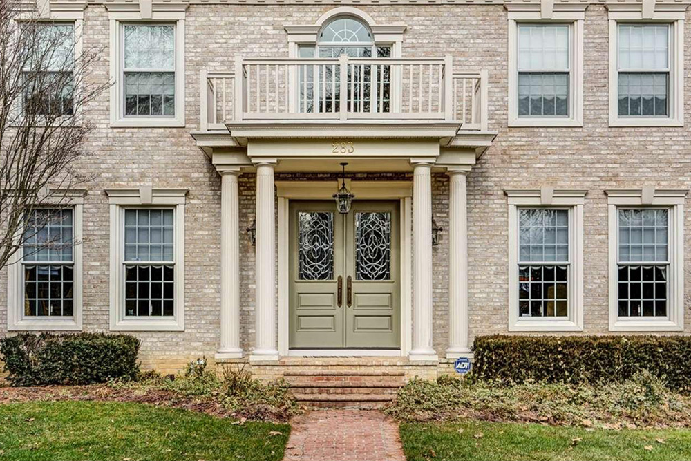 10 homes with fabulous entry doors for sale on trulia for Home entry doors for sale