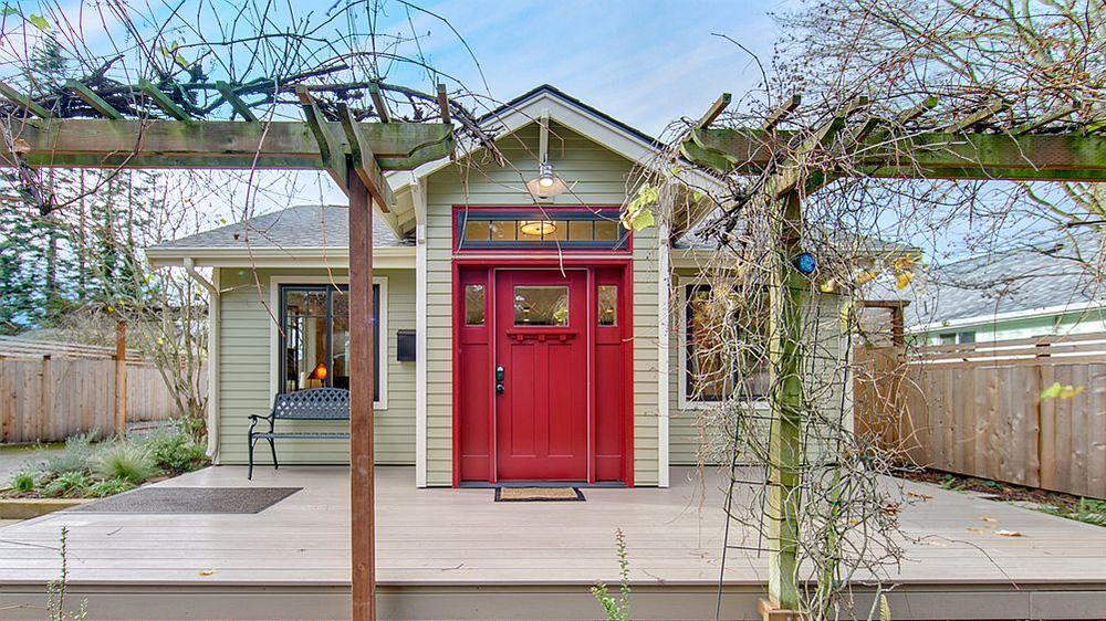 Red Entry Door In Home For Sale In Bellingham Wa Part 58