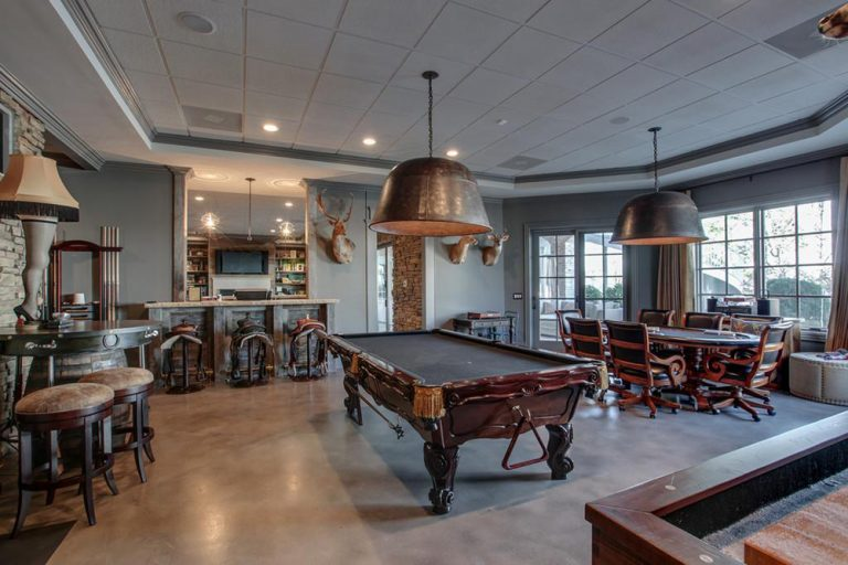 Lovely Kelly Clarksonu0027s Tennessee Mansion Hits The Market   Celebrity   Trulia Blog