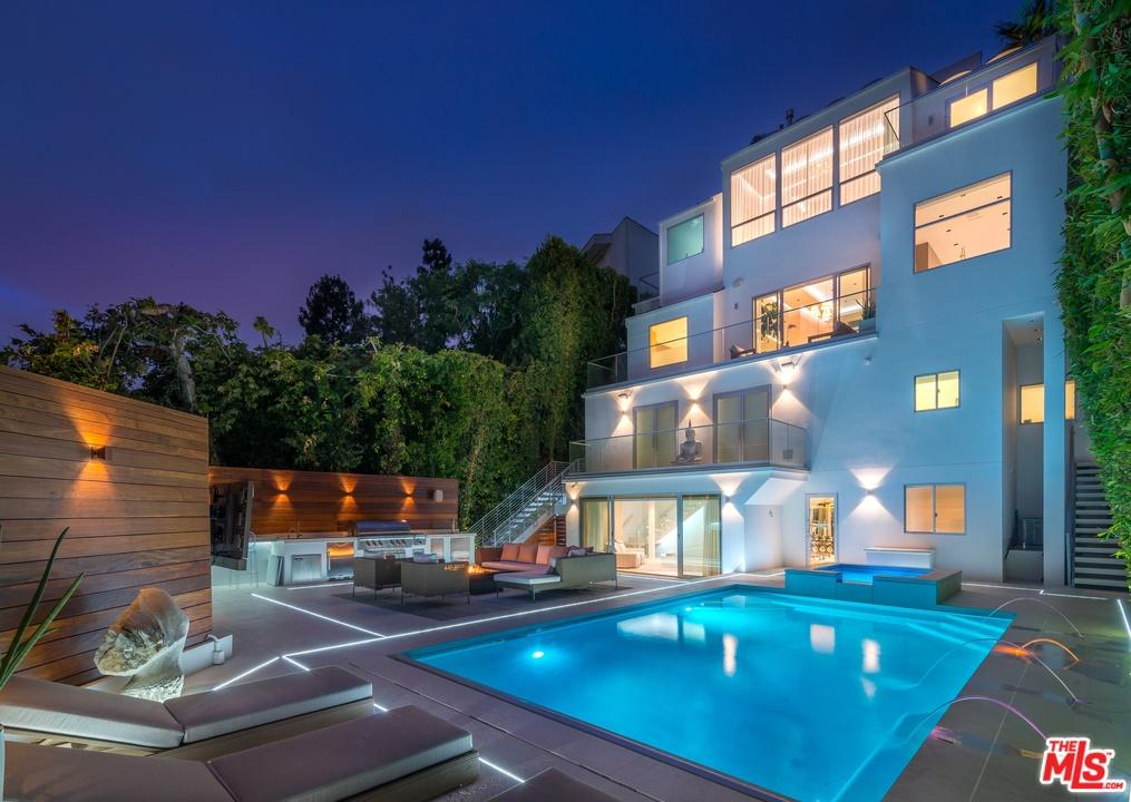 Stop right now mel b listed her hollywood hills condo for for B house