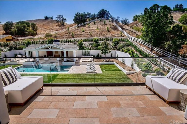 Rumor Mill The Weeknd Reportedly Buys A Hidden Hills Mansion Trulia Blog