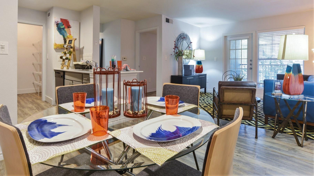 This 3 Bedroom, 2 Bath Apartment In Austin, Texas, Is Close To Shopping And  Comes With Free Use Of A Fleet Of Cruiser Bicycles.