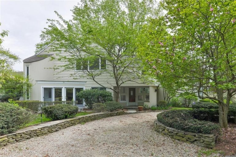 Harvey weinstein sells ct home exterior