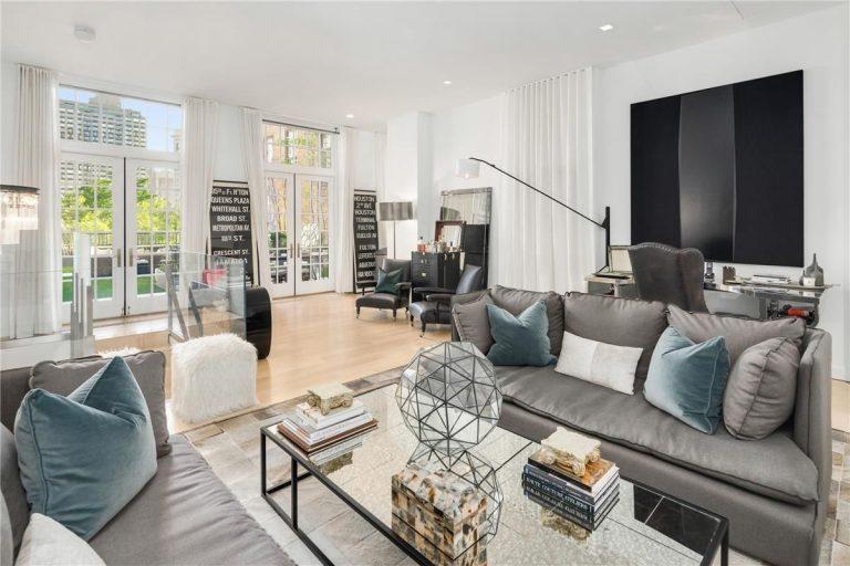 Jennifer Lopez Lists Manhattan Penthouse living room
