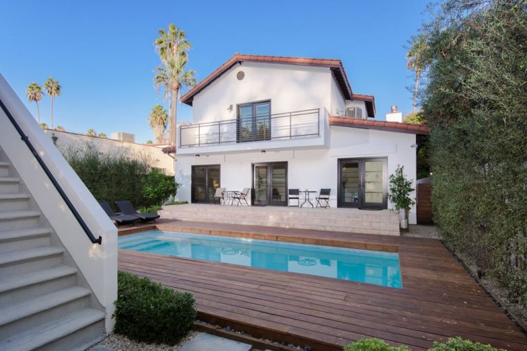 rent rihannas west hollywood home for $16.5k a month back exterior